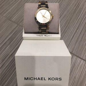 New Michael Kors Women's watch
